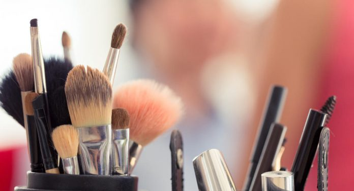 makeup-brushes-and-sponges